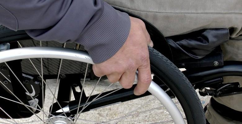 Handicap : Se renseigner à l'avance sur l'accessibilité des lieux publics